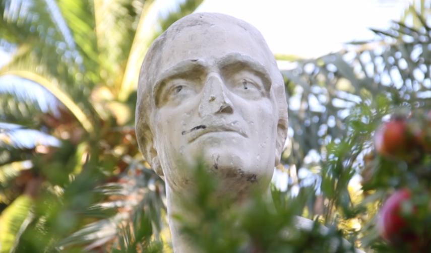 SPONSOR-MONUMENT